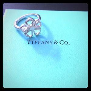 Tiffany & Co. Daisy Ring